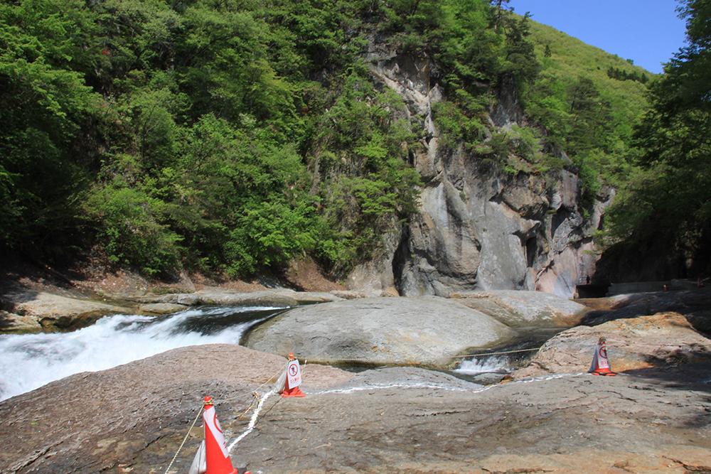 Masutobi Falls (Masutobi no-taki)
