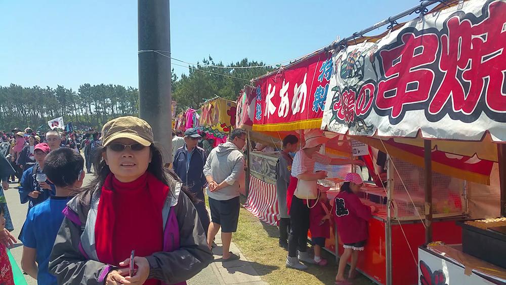 Food stalls in abundance