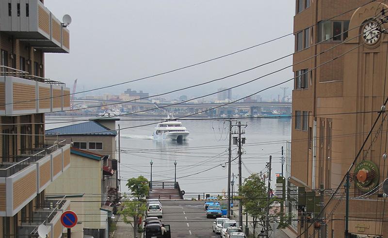 Arrival of a Catamaran