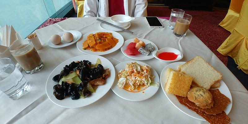 Breakfast at SeErCuo International Hotel