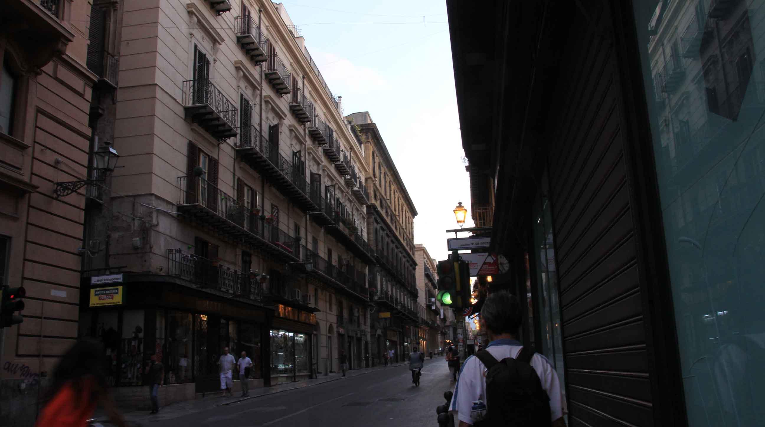 Turning right onto Via Vittorio Emanuele