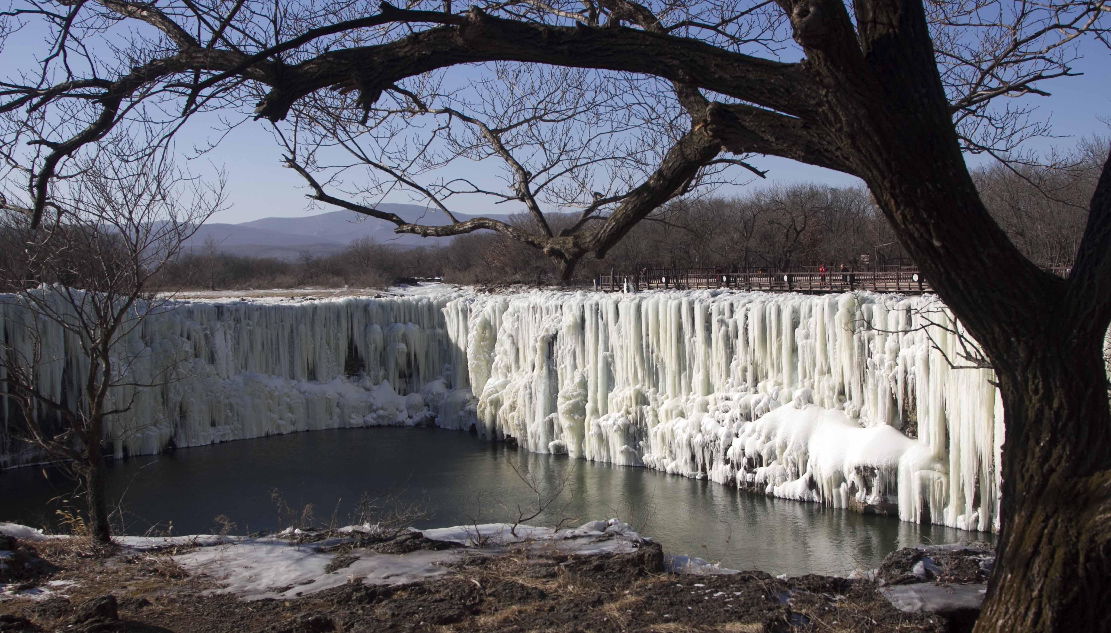 Diao Shui Lou Ice Waterfall