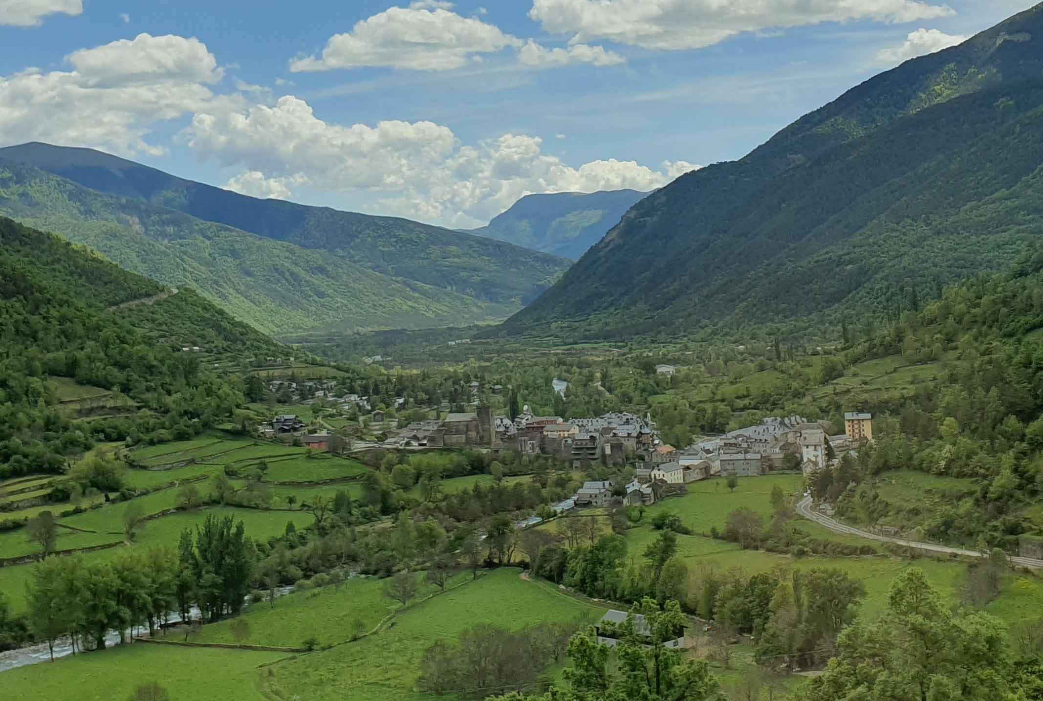 Stunning view of Broto town in hte valley