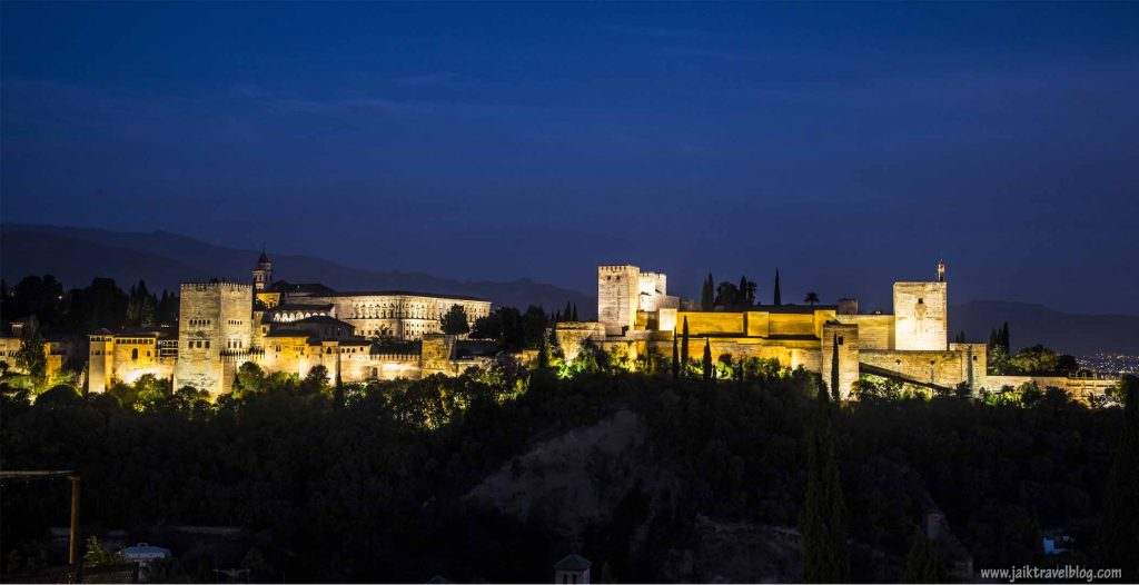 The beautiful Alhambra at night