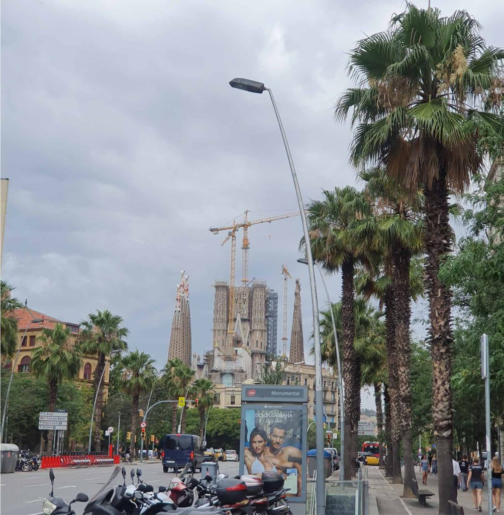 Walking towards La Sagrada Familia