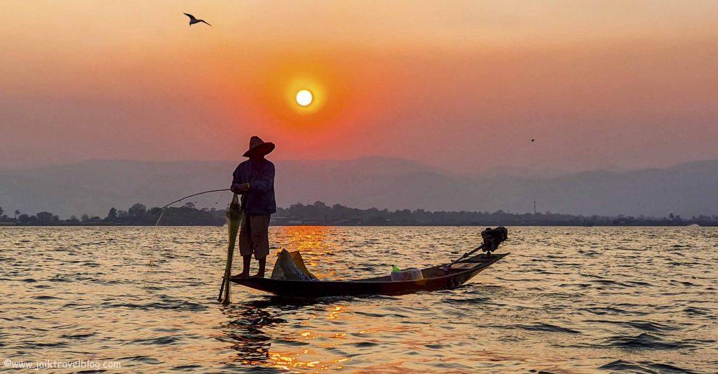 Inle Lake - Fisherman at work